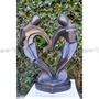 Escultura Casal Formando Coração Esculpido Em Marmore Preto