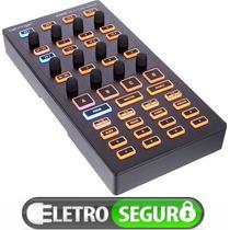Controlador De Efeitos & Loop Midi Behringer Cmd Dv1