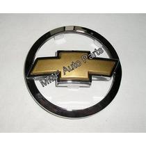 Emblema Gravata Dourada Grade -celta Prisma - Mmf Auto Parts