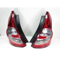 Jogo Lanternas Renault Sandero 07/11 C/ Avarias Quebrados