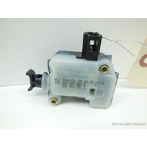Motor Trava Porta Malas Do Golf 1998 A 2006 Original Novo