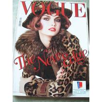 Revista Vogue Italia Nº 671 - Jean Reno, Zofia Borucka