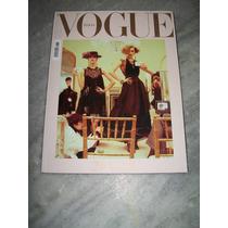 Vogue Italia Nº 725 - 01/11 - Charlotte G, Keira K.