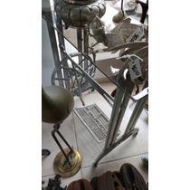 Pé De Maquina De Costura De Ferro Antigo Mercwiss