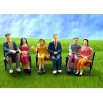 10 Figuras Humanas Sentadas Esc 1:24 ~1:25 Plástico Maquete