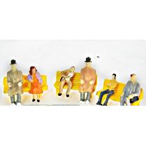 Kit 3 Bancos Amarelos + 6 Figuras Humanas Escala Ho 1:87