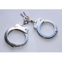 Algemas Niquelada Com Trava Handcuffs De Uso Profissional