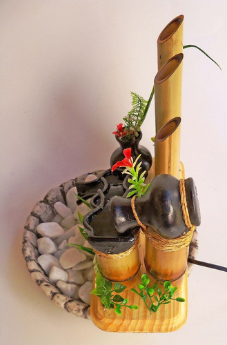 Fonte Agua Cascata Bambu 4 Jarrinhos Com Vasinho...