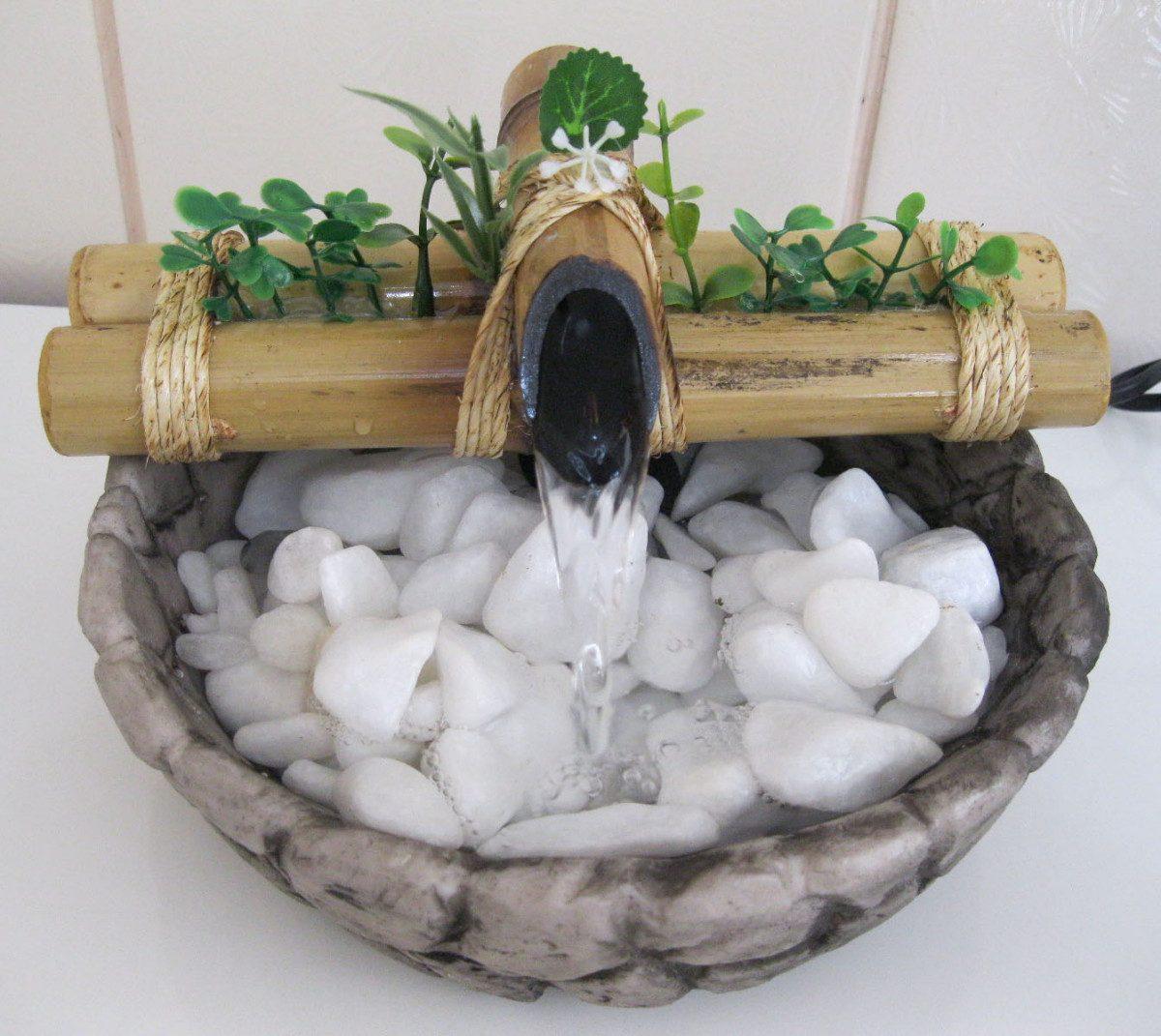 fontes de agua para decoracao de interiores:Fonte/agua/cascata/bambu Mini Base Resina Imitando Pedra. – R$ 79,00