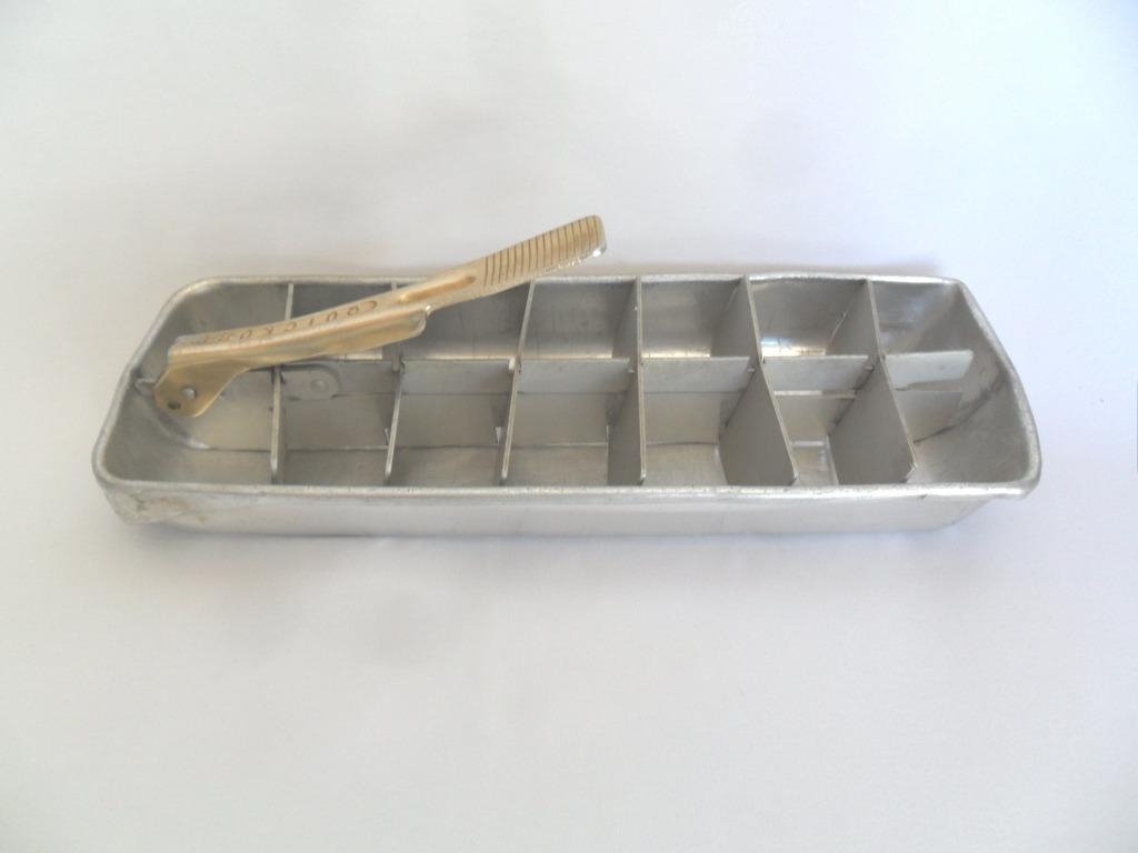 #7D6B4E Forma De Gelo Em Alumínio Quickube Muito Antiga R$ 55 00 no  1326 Preço De Janelas De Aluminio Em Juiz De Fora