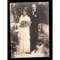 Jovem Casal-casamento.fotografia Em B/preto.