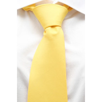 Gravata Tradicional Lisa Amarelo Creme