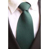 Gravata Tradicional Lisa Com Nó Fosca - Verde Escuro