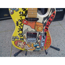 Guitarra Estilizada Por Marcinho Eiras (signature)