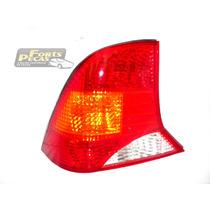Lanterna Traseira Esquerda Ford Focus Sedan 99 00 01 02 03 4