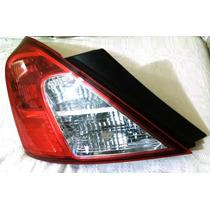 Lanterna Traseira Esquerda Nissan Versa