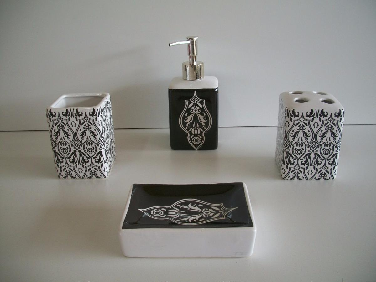 Pin Kit Para Banheiro Em Cerâmica Redondo Frisado C 04 Peças  #5E5951 1200 900