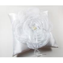 Arranjo / Acessório / Flor Branca Com Pérola Para Noiva