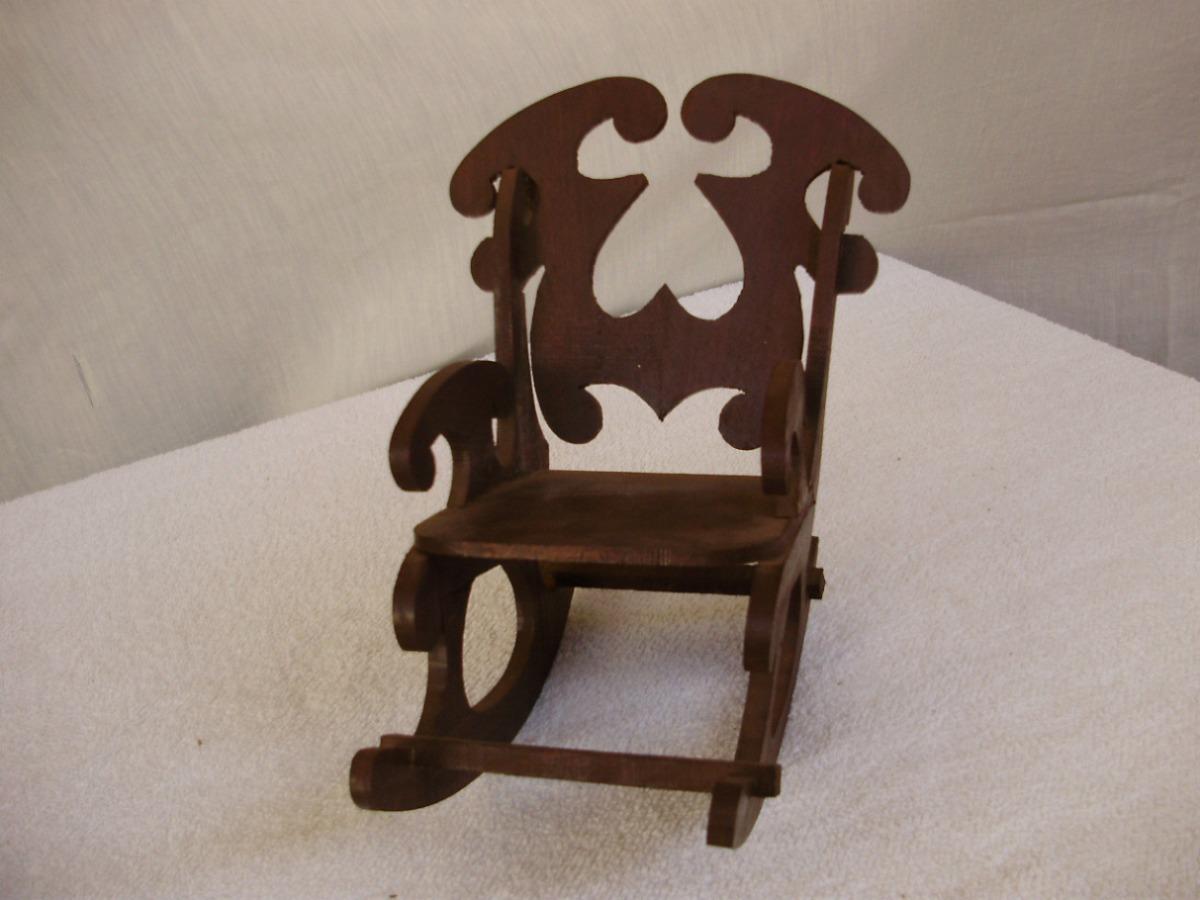 Linda Escultura Madeira Cadeira De Balanço Antiga R$ 55 00 no  #382017 1200x900