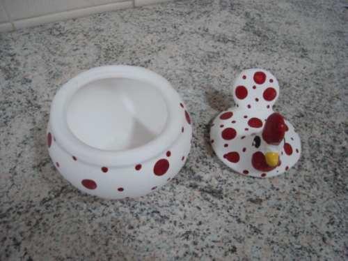 Linda Galinha Carijó Branca De Cerâmica Com Tampa!