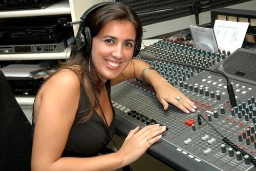 Locutora Locução Gravação Vinheta Espera Telefonica Ura