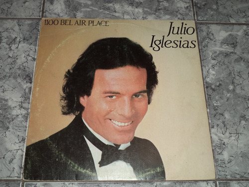 Lp Julio Iglesias - 1100 Bel Air Place ( Com Encarte )