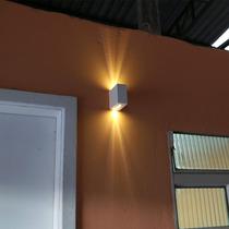 Arandela Parede Para Área Externa Com Facho De Luz