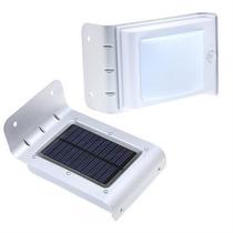 Luminária Parede Jardim 16 Led Solar Sensor Movimento Em Poa