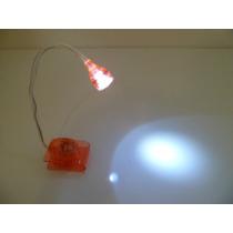 Mini Luminária De Mesa Ou Abajur Ajustável De Led C/ Clip