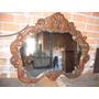Espelho Antigo Ricamente Com Entalhes Na Madeira