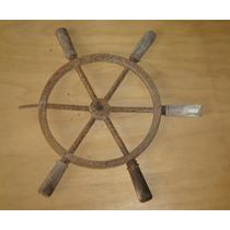 Timão Antigo Em Ferro E Detalhes Em Madeira - Medindo 52cm