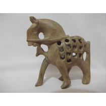 B. Antigo - Escultura Indiana De Cavalo Em Madeira