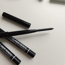 Lápis Retrátil Mac. Produto De Beleza. Maquiagem
