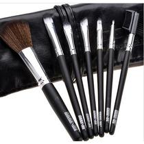 Conjunto Com 7 Peças Para Maquiagem.