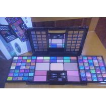 Kit Paleta De Maquiagem Com 88 Sombras 3d Jasmyne + Brinde