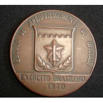 Medalha Escola Aperfeiçoamento Oficiais Exército Brasileiro.