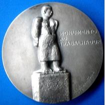 Medalha Prata 900-escultura E Dia Do Trabalhador-casa Moeda