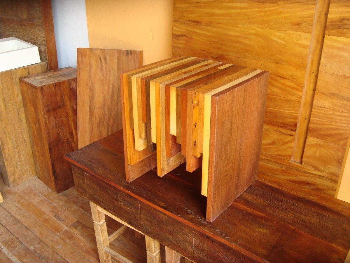 Mesa de centro puff modelo exclusivo madeiras nobres for Mesa centro puff