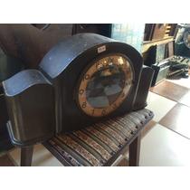 Relógio Carrilhão De Mesa De Madeira A Corda Antigo
