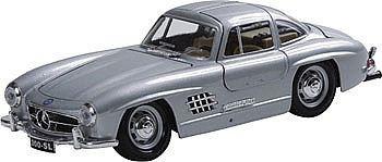Miniatura Bburago Mercedes Benz 300sl - 1:24 - Nova-lacrada
