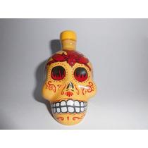Miniatura De Bebida Tequila Em Garrafa De Caveira 50ml Vidr
