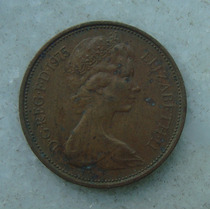 1592 Inglaterra 1975 Two Pence Elizabeth I I 26mm - Bronze