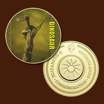 8912a - Dinossauro - Banhada A Ouro 24 K - 40 Mm