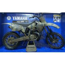 Yamaha Yz250 Exército 1/6 Enorme New Ray Suzuki Honda