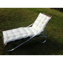 Cadeira Espreguiçadeira Para Piscina Em Fibra Com Almofada