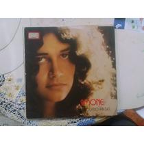 Simone Quatro Paredes