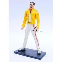 Freddie Mercury Queen - Estatueta Em Resina