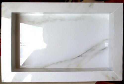 Nicho Porcelanato Banheiro Carrara 45cm X 35cm  R$ 190,00 no MercadoLivre -> Nicho Banheiro Porcelanato