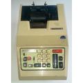Antiga Máquina De Calcular Comercial E Registradora Em Papel