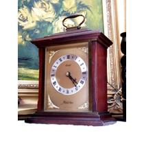 Antigo Relógio De Mesa Com Estrutura De Madeira Kundo